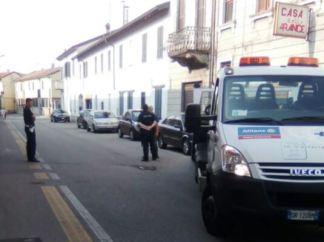 polizia-locale-324x242 Manca l'assicurazione. Auto sequestrata Piazza Litta Prima Pagina