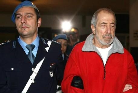 06/12/06 genova. Donato bilancia in tribunale a genova. Stamane processo di appello per minacce a una guardia carceraria. - foto luca zennaroansa -