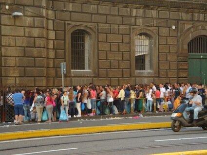 Napoli nel carcere di Poggioreale quattro corner per colloqui con figli  Cronache della Campania