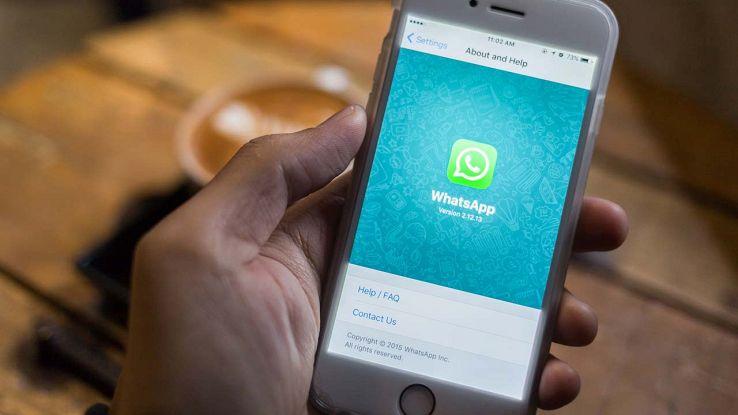 Problemi su WhatsApp, l'ultimo accesso dei contatti