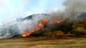 Incendio sul Vesuvio: in fiamme sterpaglie a Somma Vesuviana