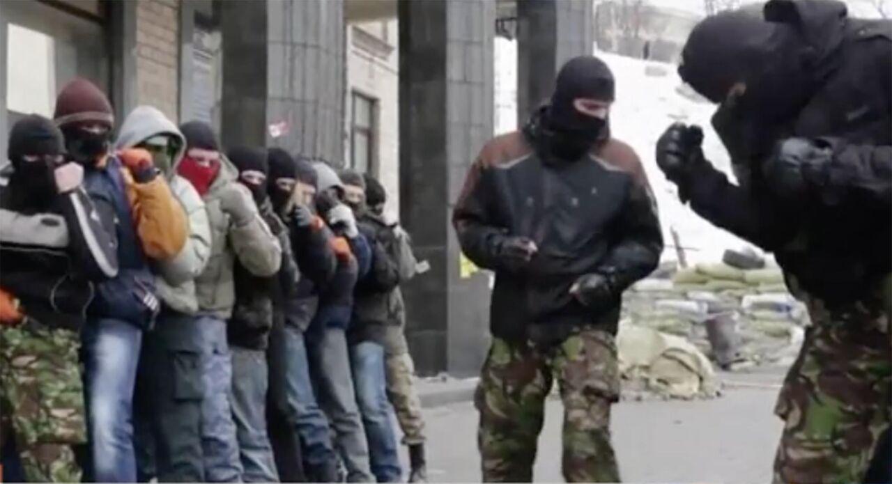 Napoli, l'associazione neonazista faceva addestramento militare e aveva armi