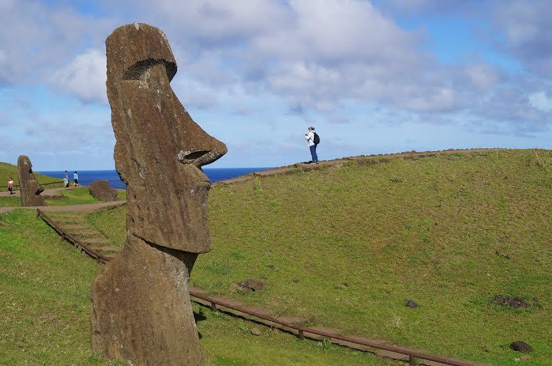 Michelle Bachelet entrega administración de Parque Nacional Isla de Pascua a lugareños