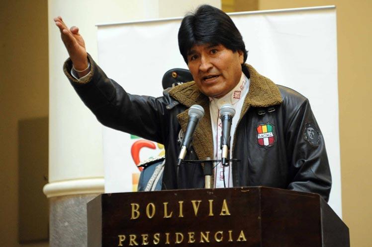 Masiva marcha en Potosí para apoyar al presidente — Evo Morales