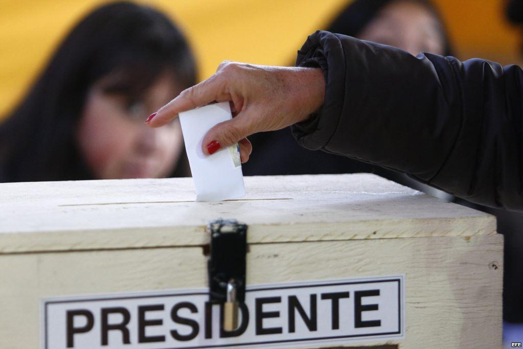 Equipo de Piñera evalúa no realizar debates por críticas de Ossandón