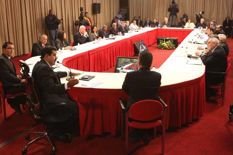 Contrarrevolución usa la economía como instrumento de agresión contra Venezuela — Rodríguez