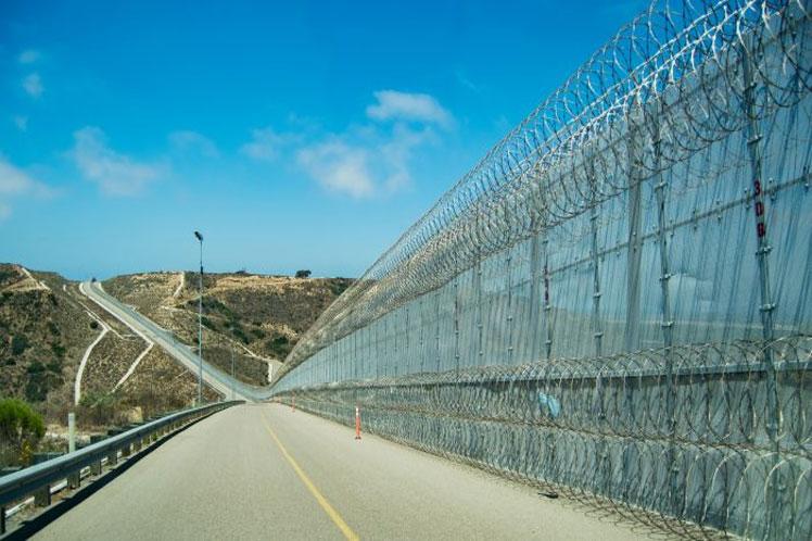 Avanzan los prototipos del muro entre EE.UU. y México