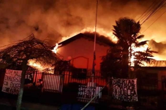 https://i0.wp.com/www.cronicadigital.cl/imagenes/noticias/2020/08/chile-incendio-ercilla.jpg?resize=696%2C463&ssl=1