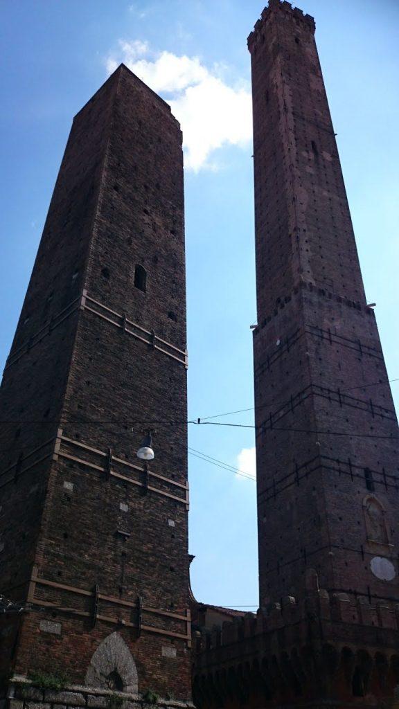Torres Garisenda y Asinelli. Qué ver en Bolonia.