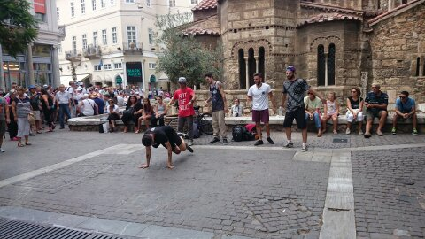 Break dance en Monastiraki.