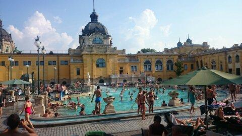 Guía de Budapest. Balneario Széchenyi .