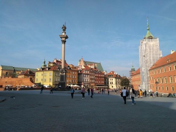 Qué ver en Varsovia en un día. Columna de Segismundo y Palacio Real.Centro histórico de Varsovia.