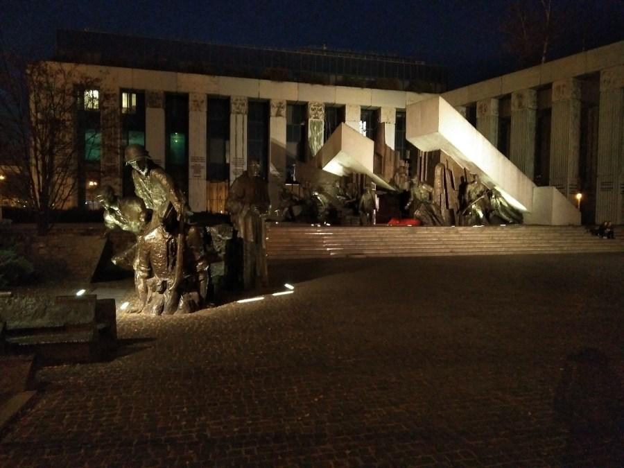 Qué ver en Varsovia. Monumento al Alzamiento