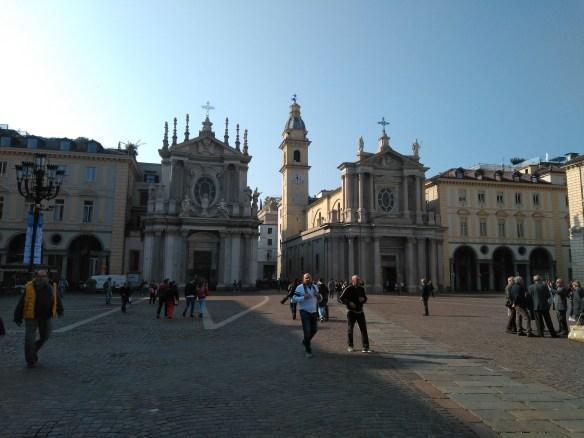 Iglesias gemelas de Santa Cristina y San Carlo.