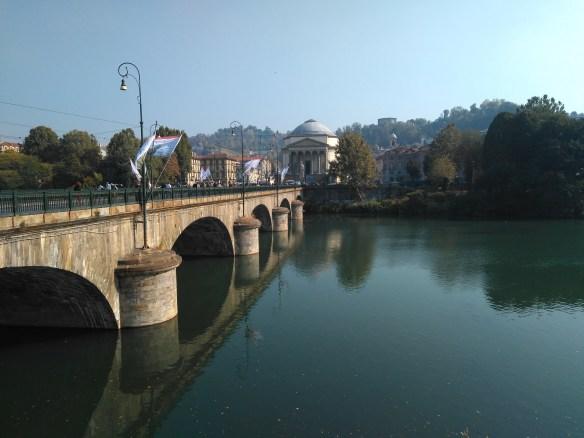 Puente Vittorio Emanuele,Turín, Italia.