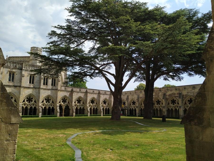 Claustro de la Catedral de Salisbury. Los Pilares de la Tierra.