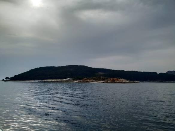 Visitar las Islas Cíes.