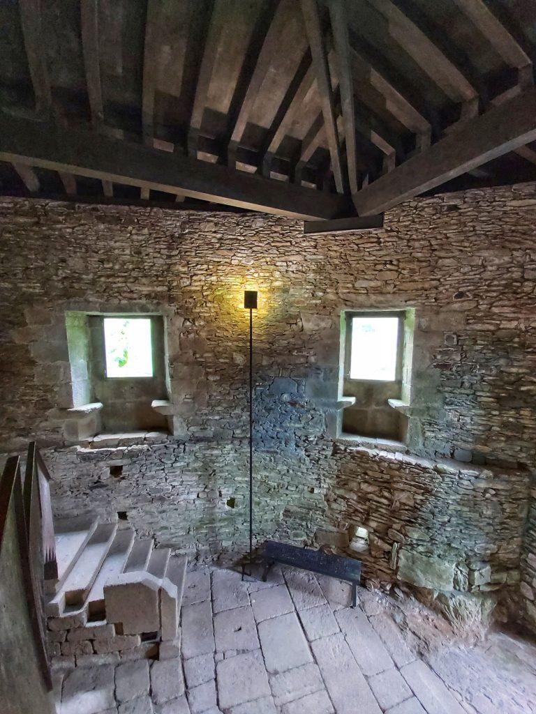 Interior del Monasterio de Caaveiro.