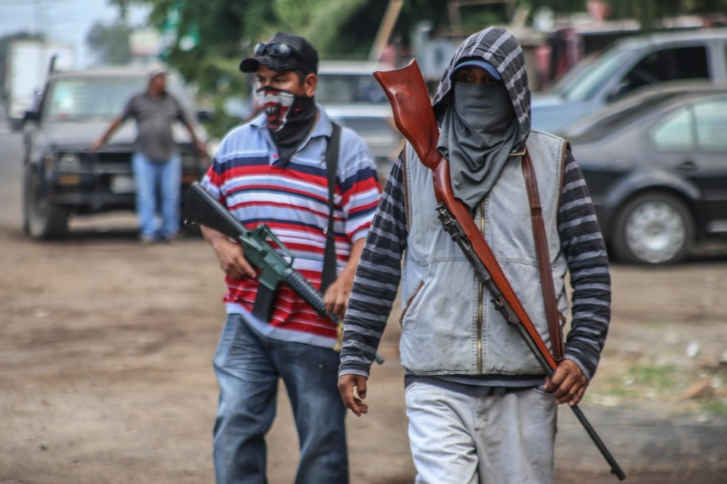 Movimiento de Auto defensas en Michoacan Mexico