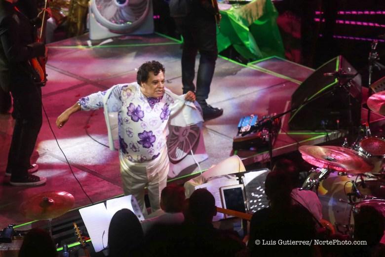 El cantante de música popular mexicana Juan Gabriel ofreció una noche de concierto en el redondel de el palenque de la expongan. 11/jun/2015 TodosLosDerechosReservados FOTO:LuisGutierrez