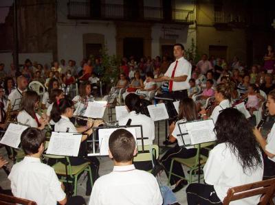 20100726100718-copia-de-ii-ciclo-musica-por-los-barrios.jpg