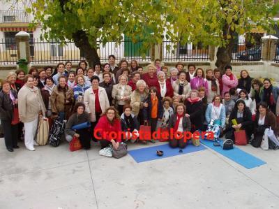 20101122105200-copia-de-cien-mujeres-participan-en-el-i-encuentro-provincial-de-terapias-alternativas-copia.jpg