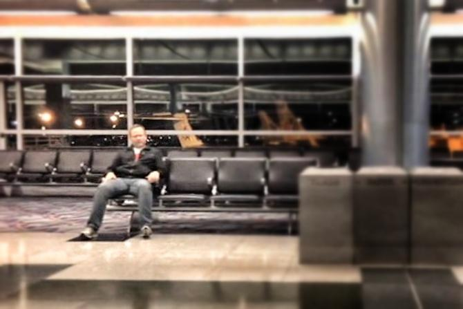 Man forced to spend night in empty Las Vegas airport makes epic music video.
