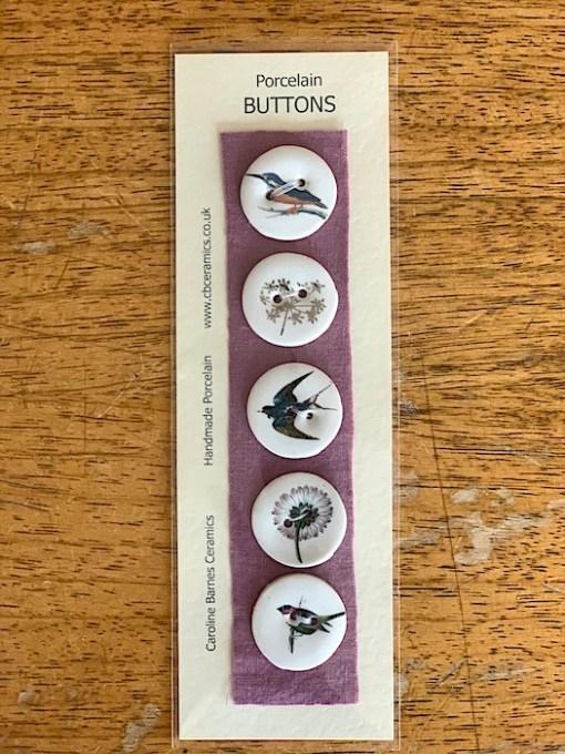 Carol Barnes Ceramic buttons birds 28mm