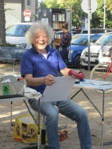 """Peter Fischenich beim """"Eierplätzchen-Montmartre"""""""