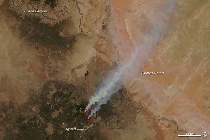 The smoke is headed northeast directly across the Painted Desert to Hopi lands. Note how close to the Grand Canyon the Peaks are located.