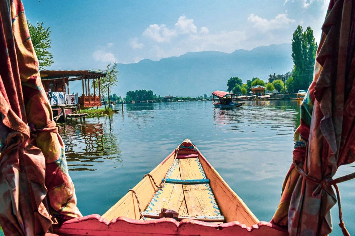 How to Spend a Good 24hrs in Srinagar after Tiring Journey