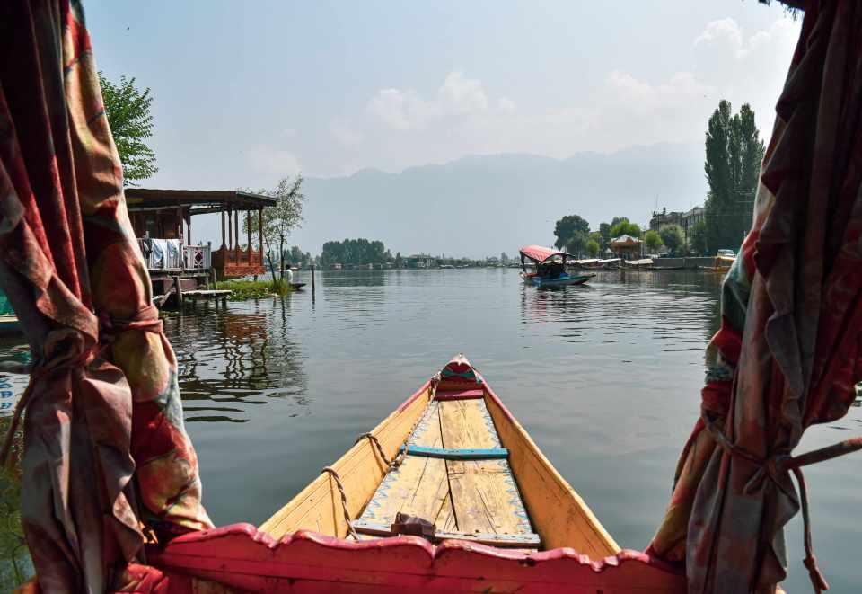 boating at dal lake srinagar kashmir