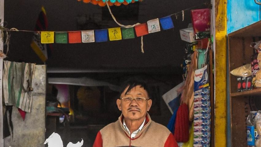 Aloo Momo Shop in Bir Billing Tibetan monastery