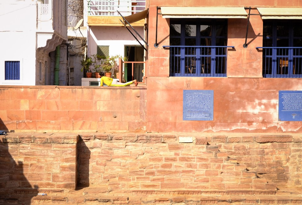 Clicking people on the Jodhpur Streets