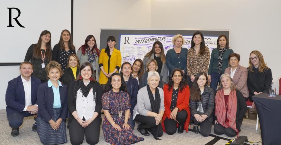 Crossroads en conversatorio de diversidad