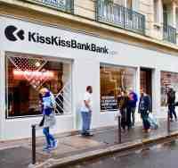 kisskissbankbank-storefront-paris