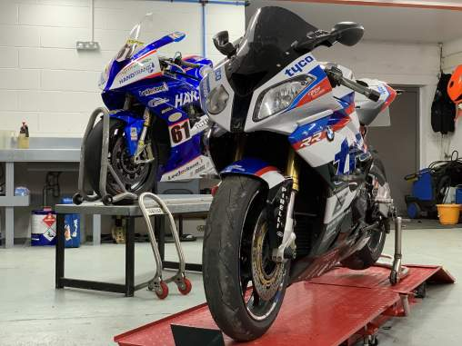 road to race motorcycle