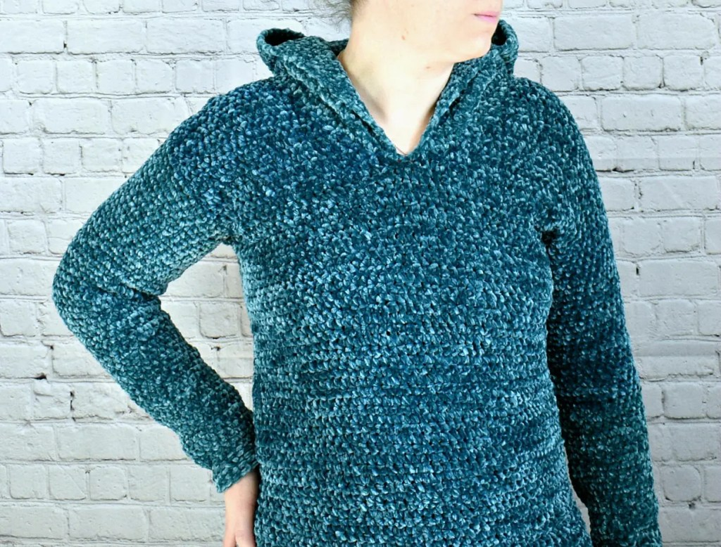 velvet crochet hooded pullover