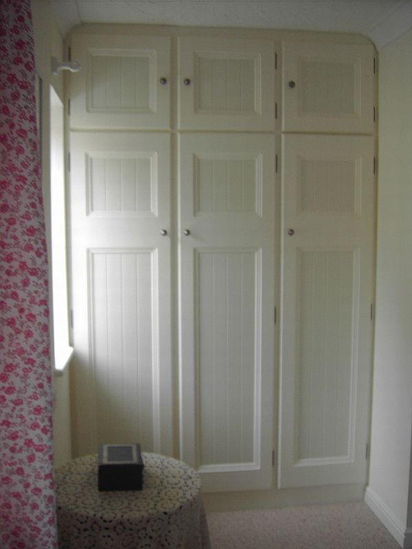 Wardrobes CRS Carpentry Services Swindon