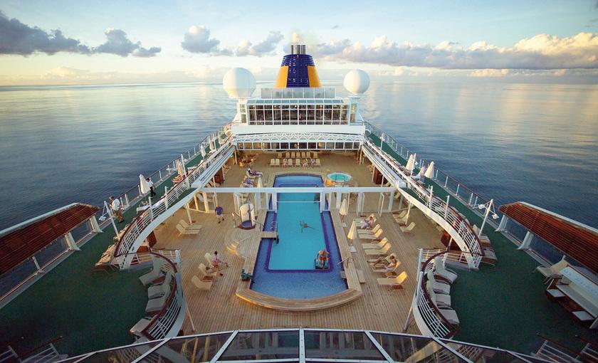 Afbeeldingsresultaat voor MS Europa pool deck