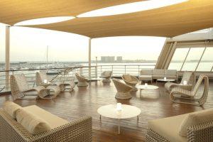 QE2_Yacht Club