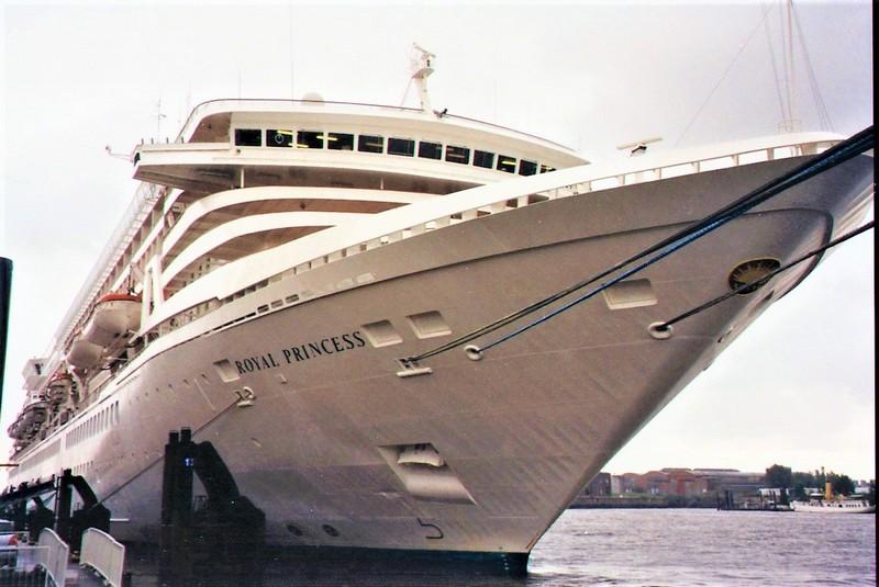 Royal-Princess-17 MS ROYAL PRINCESS - IMO 8201480