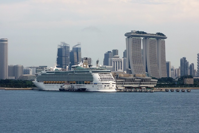 q?_encoding=UTF8&MarketPlace=DE&ASIN=3829728948&ServiceVersion=20070822&ID=AsinImage&WS=1&Format=_SL160_&tag=cruisedeck-21 Celebrity Constellation – Singapur – Thailand - Vietnam 2017