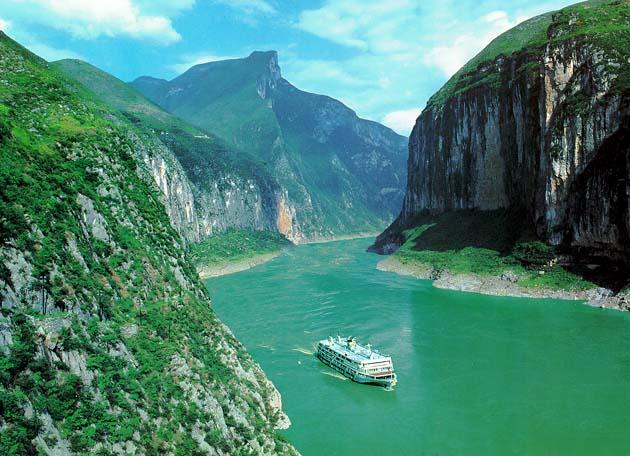 Qutang_Gorge_on_Changjiang Erstes voll-elektrisches Fluss-Kreuzfahrtschiff der Welt