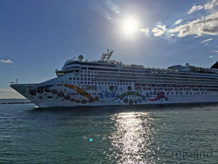 Norwegian Pearl departing Miami ©CruiseInd