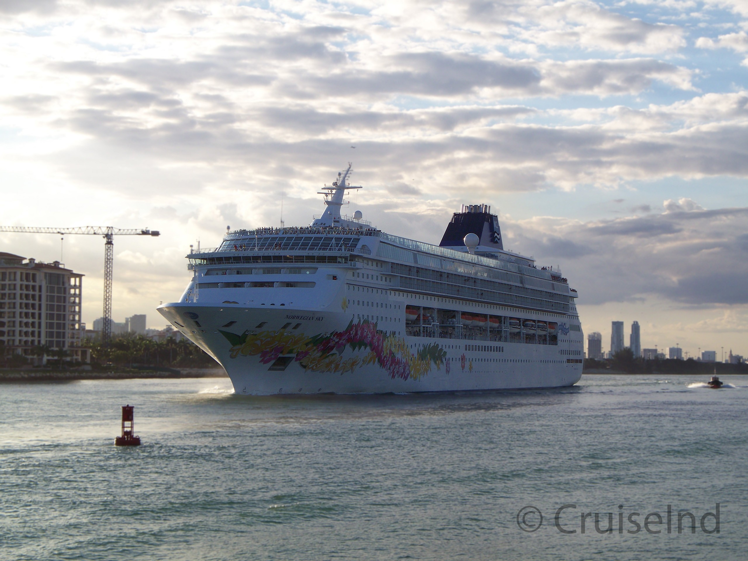 Norwegian Sky Virtual Tour Cruiseind