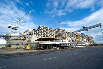 p&o Britannia under construction