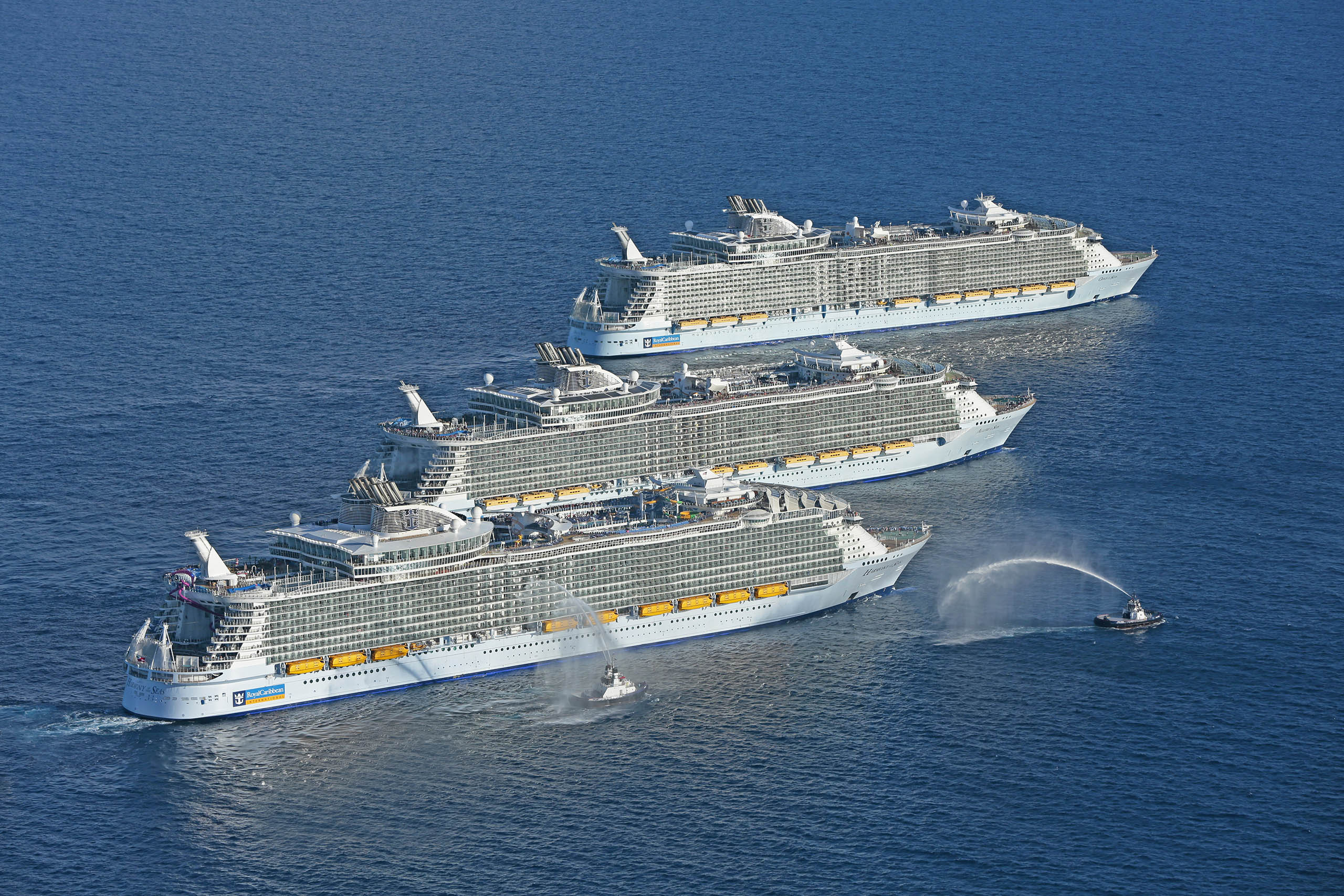 Worlds Largest Cruise Ships Meetup At Sea Cruiseind