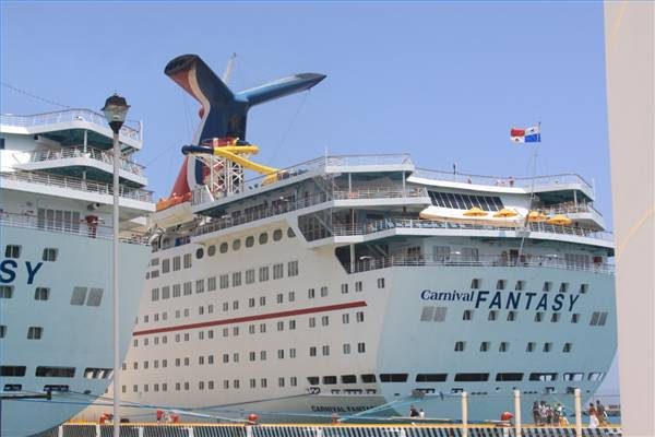 carnival cruise ship diagram of the tabernacle in wilderness passenger falls to his death on fantasy