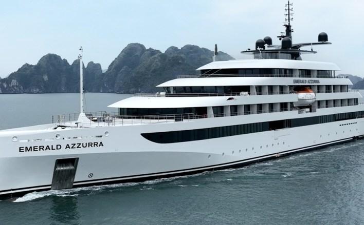 Emerald Azzurra cruise ship